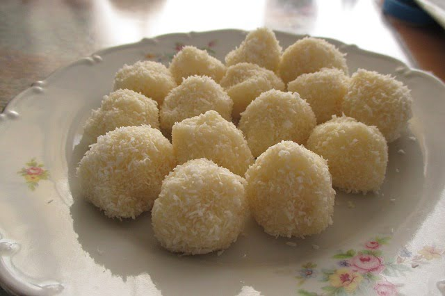 How To Make Coconut Balls Without Condensed Milk