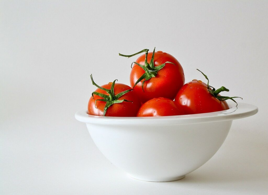 Why are tomatoes bad for you